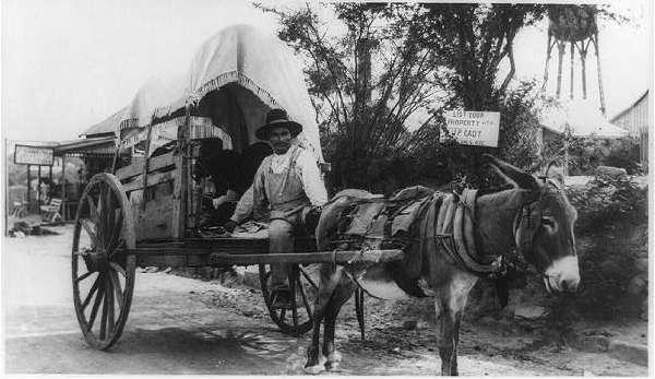 Mexican Emigrating To U.S., Nuevo Laredo, Mexico