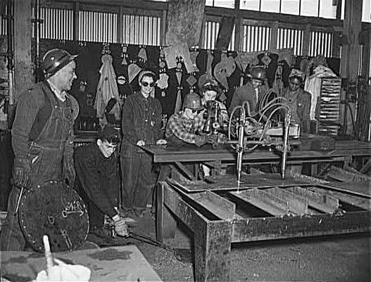 Women Learning To Use A Pantograph And Template For Cutting At The Bethlehem-Fairfield Shipyards. Baltimore, Maryland.